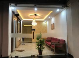 Sapphire Hotel Apartments, homestay in Kakkanad