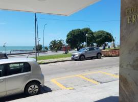 Departamento en Edificio frente al Mar, hotel en Mar del Plata