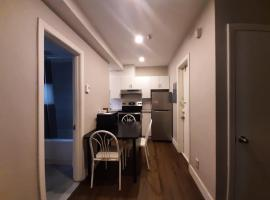 Sanitized renovated close to subway and 24 hrs services, budget hotel in Montreal