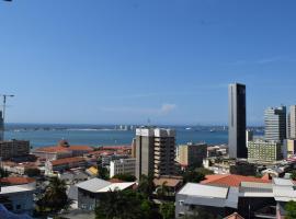 Blue Breeze, hotel near Quatro de Fevereiro International Airport - LAD,
