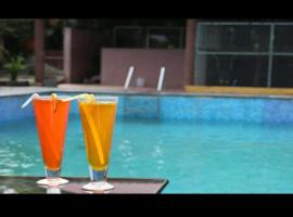 Coorg Nest Cottages, hotel with pools in Kushālnagar