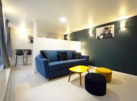 Charming apartment near FATHER LACHAISE, hotel in Paris