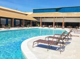 Nauticomar All Inclusive Hotel & Beach Club, hotel in Porto Seguro