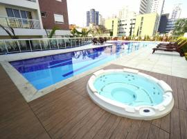 Ap luxo Oscar Freire c/ garagem e internet rápida cd303, hotel with jacuzzis in Sao Paulo