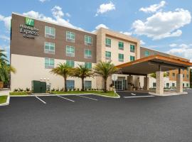 Holiday Inn Express & Suites - Deland South, an IHG hotel, hotel in De Land