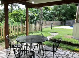Charming Winter Park Golf Themed Getaway with Pool, vacation home in Orlando