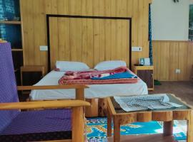 HOTEL TRAVELLER INN, pet-friendly hotel in Lachung