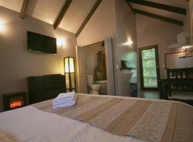 Lotus Lodges, hotel in Sassafras