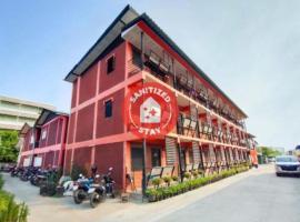 OYO 560 Chang Hostel Suvarnabhumi, hotel near Lat Krabang Airport Rail Link Station, Bangkok