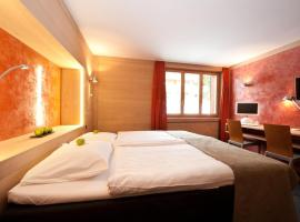 Hotel Alpine Lodge, hotel in Gstaad