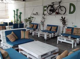 Birdnest Guesthouse, Gaia Rooftop Cafe, hostel in Kuala Lumpur
