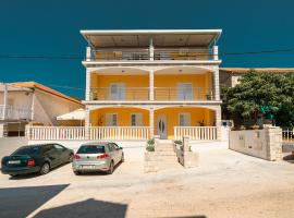 Fancy Apartments Dream, budget hotel in Brna