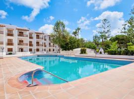 azuLine Apartamentos Can Sanso, hotel in Santa Eularia des Riu