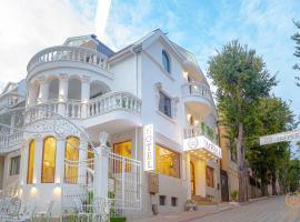 Hotel IMPERIA, хотел близо до Плувен Комплекс Приморски, Варна