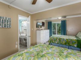 Five Palms Suite 106 - Daily - Weekly - Monthly, hotel in Clearwater Beach
