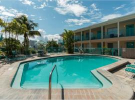 Five Palms Suite 209 - Daily - Weekly - Monthly, hotel in Clearwater Beach
