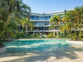 Resort Style Apartment in Hope Island, hotel in Gold Coast