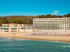 Marina Hotel - All Inclusive, Sunny Day Co., отель в Святых Константине и Елене