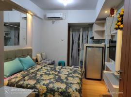 Heri Rooms @ Apt Green Lake View, hotel near Hidden Paradise, Pondokcabe Hilir