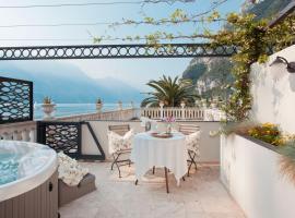 Bellavista Hotel Deluxe Apartments, hotel a Riva del Garda