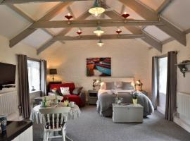 The B&B Suite, farm stay in Nancledra