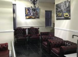 Sandy Pad's Apartments, hotel in Rhyl