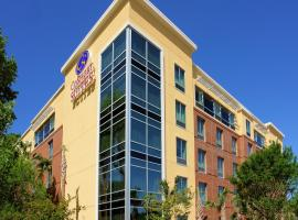 Comfort Suites West of the Ashley, boutique hotel in Charleston
