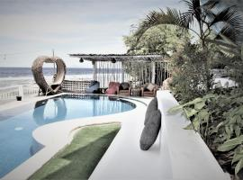 SUITE OCEAN BLUE, hotel in Nusa Penida