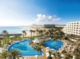 Hotel Riu Palace Tres Islas, hotel in Corralejo