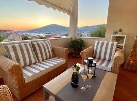 Trogir center exclusive seaview apartment for 4, pet-friendly hotel in Trogir