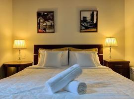 Solar das Orquídeas 201 - Gramado 250 metros da Rua Coberta, pet-friendly hotel in Gramado