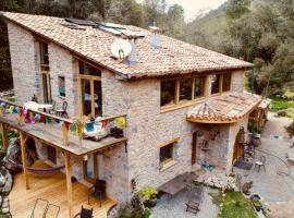 Pont de Valenti Mountain Retreat, apartament a Girona