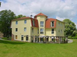 Landhotel Am Peetscher See, Hotel in Mirow