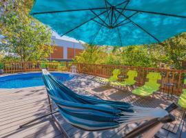 Vacation Texas House 5 min to Fiesta Texas & SeaWorld, with GameRoom, villa in San Antonio