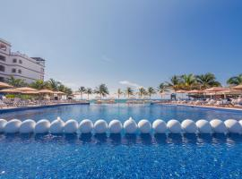 Grand Residences Riviera Cancun, Resort in Puerto Morelos