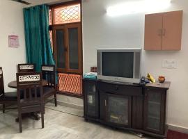 A-85A/T-1, Rose Apartments,Paryavaran Complex,IGNOU Road,New Delhi, apartment in New Delhi