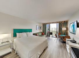 Aqua Palms Waikiki - Inviting Studio - Walk to Beach Hotel Room, hotel near Honolulu Airport - HNL, Honolulu