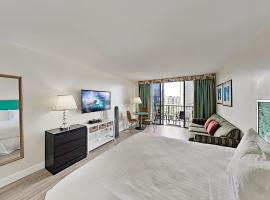 Aqua Palms Waikiki - Ocean View - 1 Block to Beach Hotel Room, hotel near Honolulu Airport - HNL, Honolulu