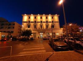 Hotel De La Ville, hotel a Civitavecchia