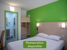 Hotel Restaurant Les Jardins D'Epône, hotel near Les Yvelines Golf Course, Épône