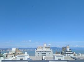 Casa temporada mar urbano, villa in Florianópolis
