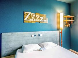 ibis budget Versailles - Trappes, hotel with parking in Trappes