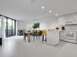 NEWLY REMODELED - Key Colony apartment, hotel near Crandon Marina, Miami