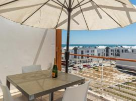 Big Bay Stunning Upmarket Apartment, apartment in Cape Town