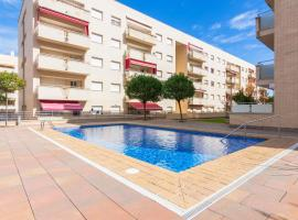 Apartment with 2 bedrooms in Lloret de Mar with wonderful city view shared pool furnished terrace 500 m from the beach, apartamento en Lloret de Mar