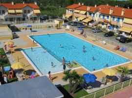 Residence in Rosolina Mare perfect for a family or friends, Ferienwohnung in Rosapineta