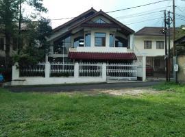 Disewakan Rumah Bandung 3 Kamar bisa untuk 6-9 Orang, villa in Bandung