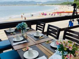 Pousada Camarote Itaipu, beach hotel in Niterói
