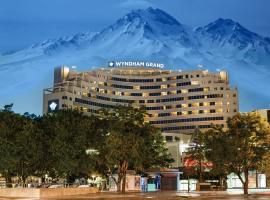 Wyndham Grand Kayseri, hotel in Kayseri