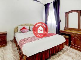 OYO 3133 Wisma Yampi Syari'ah, hotel near Ragunan Zoo, Jakarta